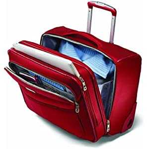 A main compartment with compression straps, a padded laptop compartment and a front organizer compartment