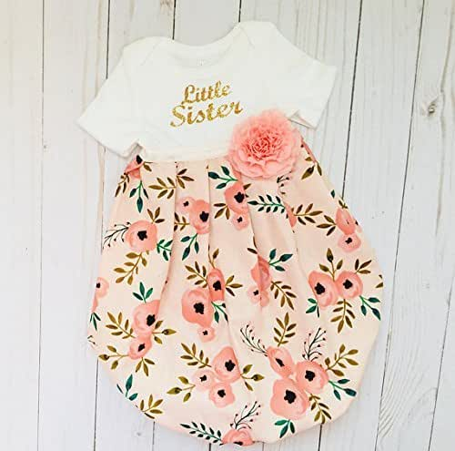 7ef2f5c34e61 Amazon.com  Little sister Baby Gown in sparkle gold cursive and ...