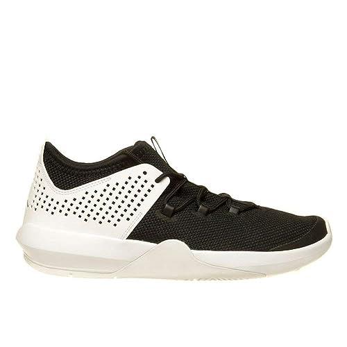 low priced e8fde ad29b Nike - Jordan Express BG - 897990010 - Color  Black-White - Size  4.0   Amazon.co.uk  Shoes   Bags