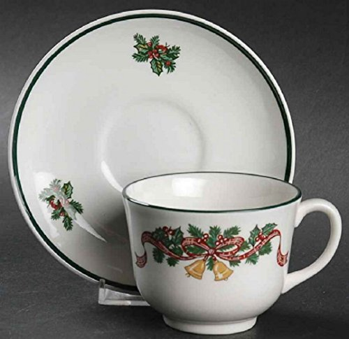 (JOHNSON BROTHERS VICTORIAN CHRISTMAS CUP & SAUCER)