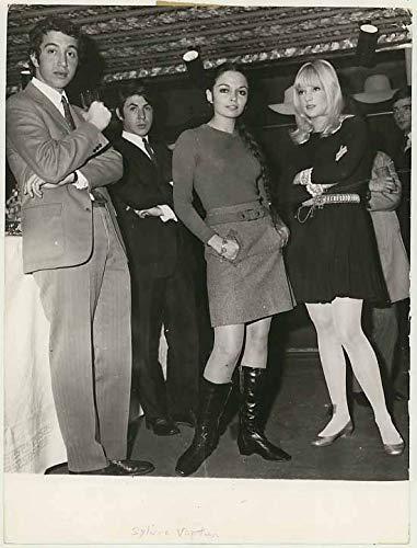 Sylvie Vartan - French Yé-yé Diva Singer At Paris Boutique Party - Vintage 1967 News -