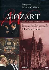 Mozart - Requiem & Mass in C Minor [Import]