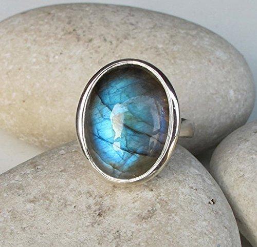 Labradorite Statement Ring- Silver Oval Labradorite Ring- Smooth Labradorite Ring- Bold Mystical Gemstone Ring- Large Bohemian Ring by Belesas