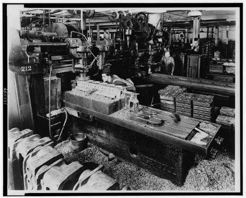 HistoricalFindings Photo: Worker milling Cylinder Block,Mosquito Boat Engine,Machine Shop,1945,Employment ()