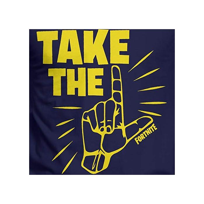 """Camiseta para hombres de Fortnite. Este es un asombroso top azul marino que viene con el épico baile """"Take the L"""" en contrastante amarillo. 100% Algodón"""