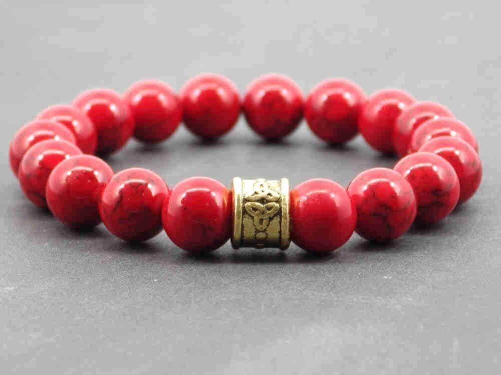 Pulsera de perlas de turquesa roja reconstituida con perla tibetana dorada