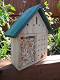 Insect Hotel - Bug House - Bee Hotel - Insect viewer for bees, ladybirds, butterflies - This insect house is ideal for bug watching and a great bee nester.