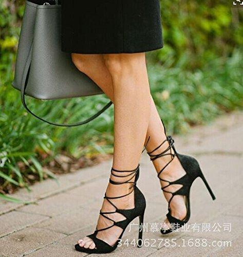 Cruz de la correa sandalias son las sandalias de tacón alto sandalias de los zapatos de las mujeres Black