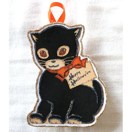 Black Cat Vintage Halloween Card Image~Glittered Wooden Ornament~Handmade]()