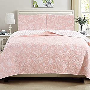 Great Bay Home 3-Piece Reversible Quilt Set with Shams. All-Season Bedspread with Floral Print Pattern in Contemporary Colors. Emma Collection By Brand. (Full/Queen, Pink)