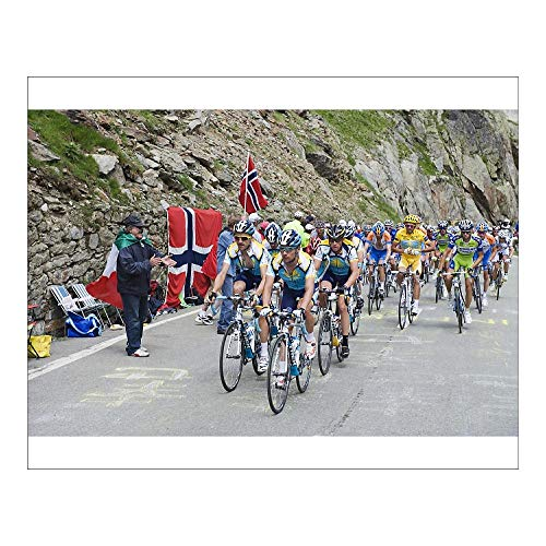 robertharding 20x16 Print of Cyclists Including Lance Armstrong and Yellow Jersey Alberto Contador (3620874)