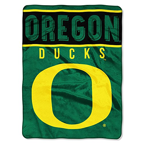 (The Northwest Company Officially Licensed NCAA Oregon Ducks Basic Plush Raschel Throw Blanket, 60