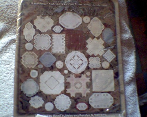 - {Hardanger Embroidery} the Big Book of Small Doilies: 33 Hardanger Embroidery Designs By the Nordic Needle Staff