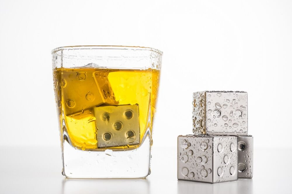 AmazeFan Food Grade Stainless Steel Wine Chilling Cubes, Multi Color Stainless Steel Reusable Wine Ice Cubes, Chilling Rocks, Wiskey Stones Pack of 6 (6 Silver Dices)