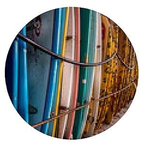 alfombrilla de ratón tablas de surf coloridos apilados en la playa en la puesta del sol. - ronda - 20cm
