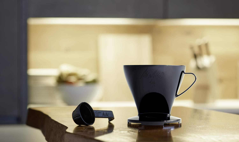 2 St/ück Kaffeefilter 1x4 Standard Schwarz und Rot Kunststoff und Porzellan Melitta Kaffee-Set Kaffeehalter f/ür Filtert/üten und Porzellan-Tassen 217939