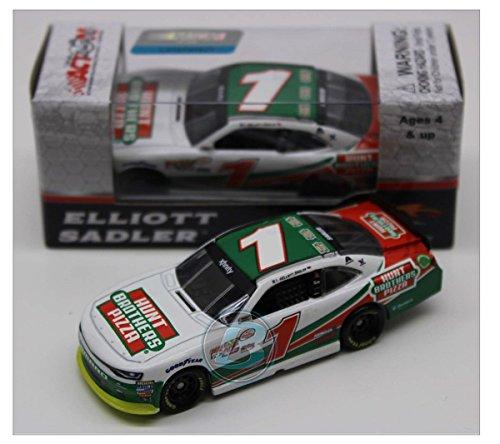 Elliott Sadler 2017 #1 Hunt Brothers Pizza 1:64 Diecast Car