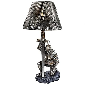 Amazon.com: Al final del Batalla Esculturales lámpara ...
