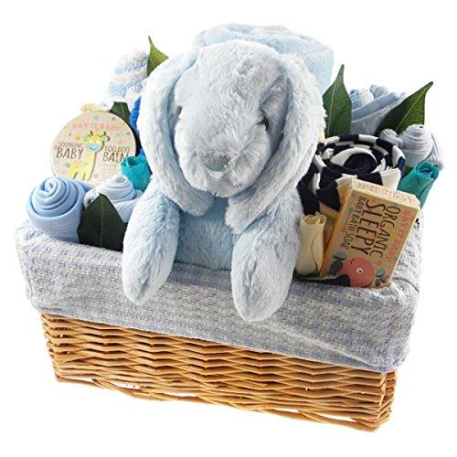 Panier cadeau de naissance pour accueillir un bébé garçon