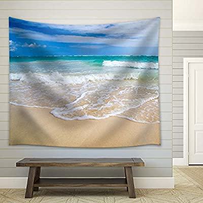 Wonderful Craft, With a Professional Touch, Tropical Sea and Clear Waves