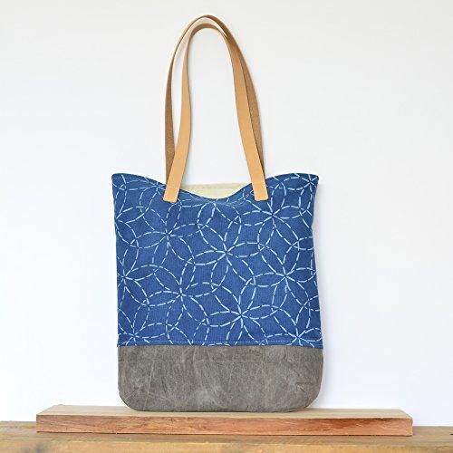 Organic Shoulder Bag with Mitsuba Sashiko Pattern on Indigo with Waxed Canvas ()