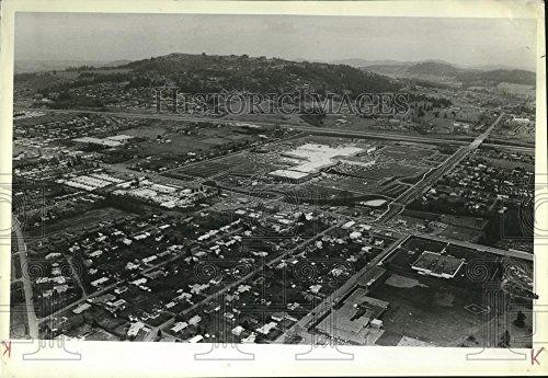 1981 Press Photo Aerial view of The new Clackamas Town Center shopping - Town Center Clackamas