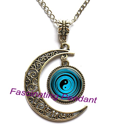 Crescentmoonglasscabochonnecklace,yin yang necklace tai ji shape black and white glass dome photo pendent chinese Taoism sign ancient Eight Diagrams (Tai Necklaces)