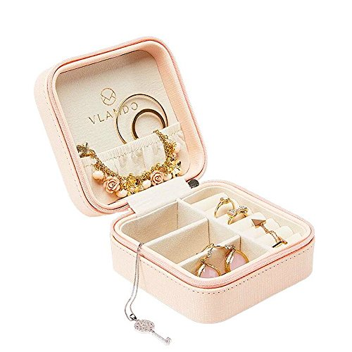 - Vlando Small Faux Leather Travel Jewelry Box Organizer Display Storage Case for Rings Earrings Necklace (Pink)