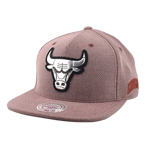 Chicago Bulls NBA Mitchell & Ness Lincoln Tri-Blend Adjustable Snapback Hat (Dusky Pink)