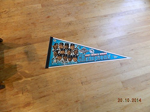 Series Florida Player (1997 Florida Marlins World Series Champions Baseball Pennant Player Pictures Mt!)