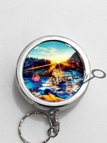 BlackKey Sunshine Round Portable Pocket Cigarette Ashtray Ash Holder with Key Ring (1972 Landscapes)