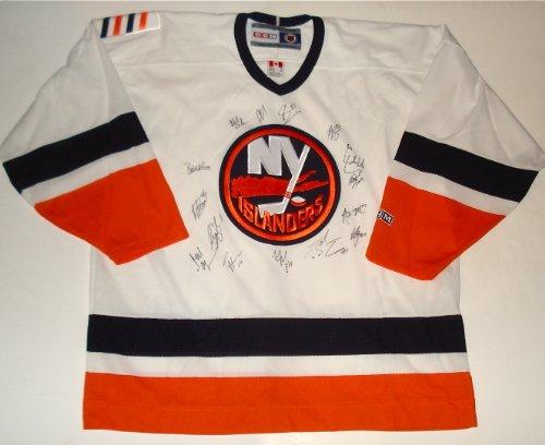 New York Islanders Team Jersey - 2013/14 New York Islanders Team Signed Jersey