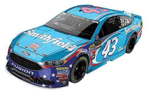 Lionel Racing Bubba Wallace #43 Smithfield 2017 Ford Fusion 1:24 Diecast Car