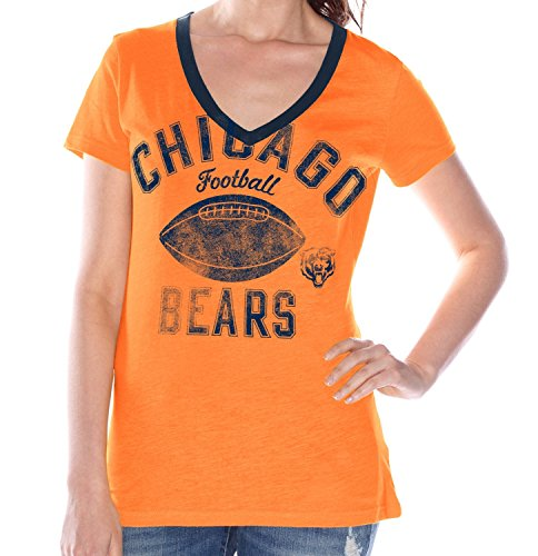 G-III Sports Chicago Bears Womens Flea Flicker Distressed V-Neck T-shirt ()