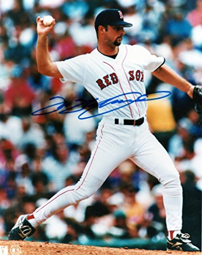 Tim Wakefield Signed Photo - 8x10 W coa - Autographed MLB Photos