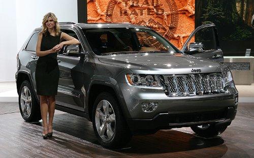 Amazon.com: Mopar 82212796 Summitt Chrome Grille Jeep Grand Cherokee:  Automotive