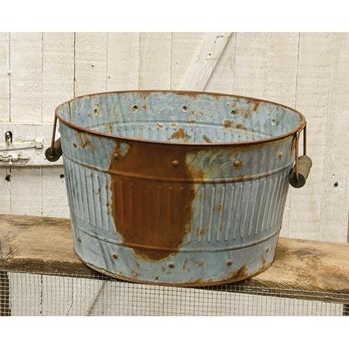Rusty/Galvanized Medium Round Tub by Heart of America