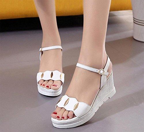 Sommer Sandalen weiblicher Hang mit dicker Kruste Fischkopf Frauen Sandalen vorne offen flache Sandalen Studenten White