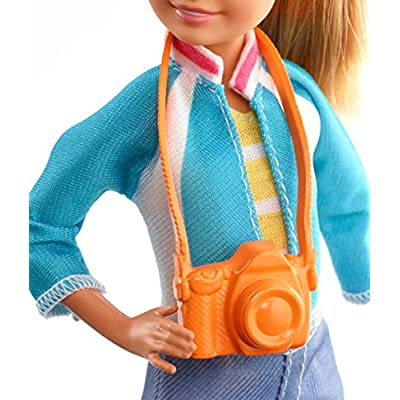 Barbie Travel Stacie Doll, Blonde, with 5 Accessories Including A Camera and Backpack, for 3 to 7 Year Olds: Toys & Games