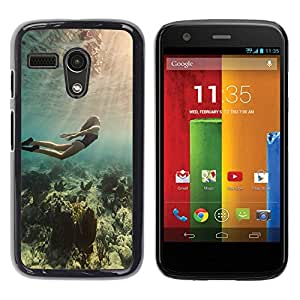 Be Good Phone Accessory // Dura Cáscara cubierta Protectora Caso Carcasa Funda de Protección para Motorola Moto G 1 1ST Gen I X1032 // Diving Ocean Woman Beautiful Light Sea