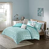 Intelligent Design Cozy Raina Comforter Set - 4 PC - Aqua - Glam Metallic Silver Geometric Print Over Aqua - Hypoallergenic Microfiber Brushed - Twin/Twin XL - 1 Comforter, 1 Sham, 2 Pillows