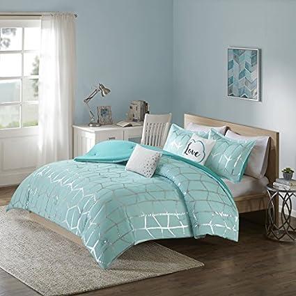 . Amazon com  Intelligent Design Raina Metallic Print Comforter Set