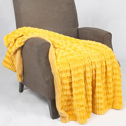 Home Soft Things BOON Garret Faux Fur Throw Blanket, 50