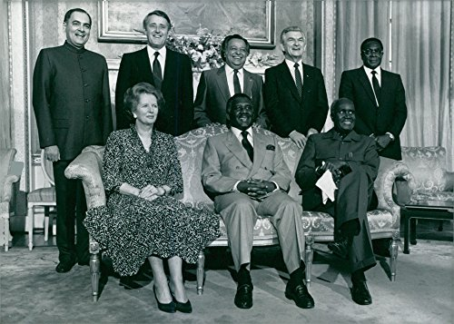 Vintage photo of The Commonwealth Heads of State pose for a photograph. 1986.