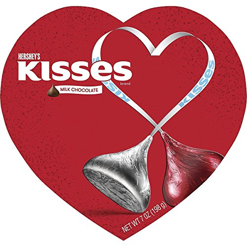 Hersheys Kisses Milk Chocolate Candy Valentines Heart Box  7 Ounce