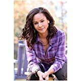 The Vampire Diaries Persia White as Abby Bennett Wilson Sitting 8 x 10 inch Photo