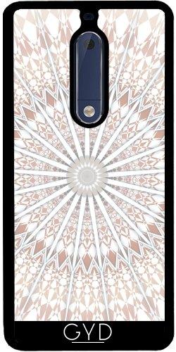 Funda de silicona para Nokia 5 - Hombre Blanco Amarillento Geométricas by Nina Baydur