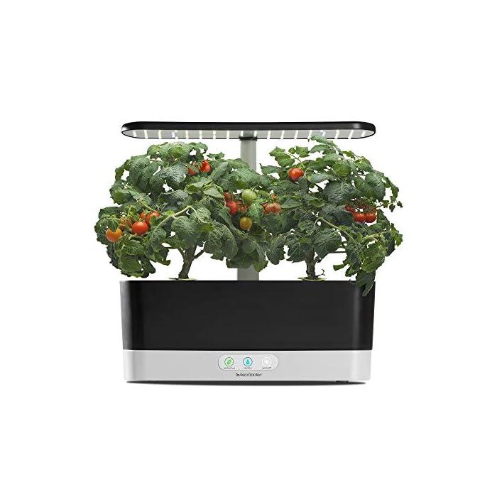 51%2BhZPE0dvL El sistema de iluminación LED de 20 vatios de espectro completo con alto rendimiento se sintoniza con el espectro específico que permite las plantas maximizar la fotosíntesis, lo que resulta en un crecimiento rápido y natural y cosechas abundantes. Cultiva hasta 6 plantas a la misma vez. Las plantas crecen en agua… no en tierra. Hidroponía avanzada simplificada. El panel de control sencillo y fácil de usar le indica cuándo añadir el agua, le recuerda cuándo añadir los nutrientes patentados (incluidos), además de encender y apagar las luces automáticamente