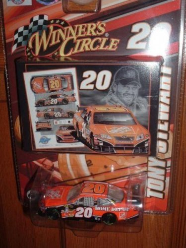 (Tony Stewart #20 Home Depot Toyota Camry 1/64 Scale Winners Circle With Mini-Replica Sam Bass Print)