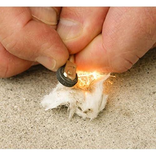 UST Heritage Light-me Feu de camp Petit Lot de 12et boîte métallique ultime de survie outils